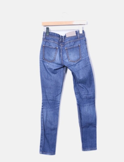 Pantalon pitillo azul tono medio
