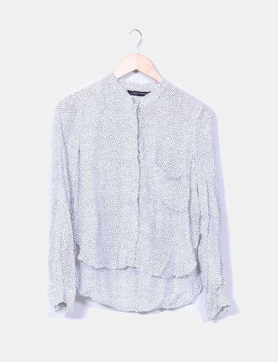 Blusa blanca con topos negros Zara