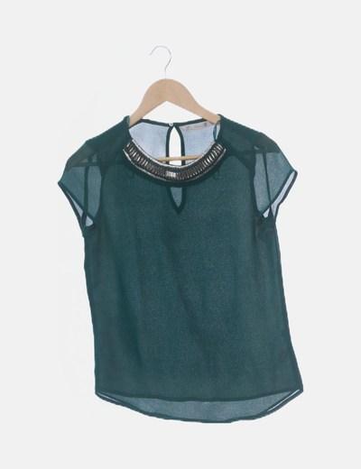 Blusa verde con abalorios