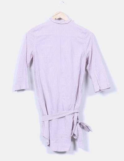 Camisola morada de rayas
