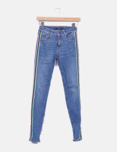 6d216b846 Jeans denim pitillo franja lateral