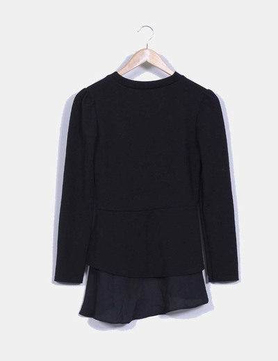 Camiseta negra texturizada con volantes laterales NoName