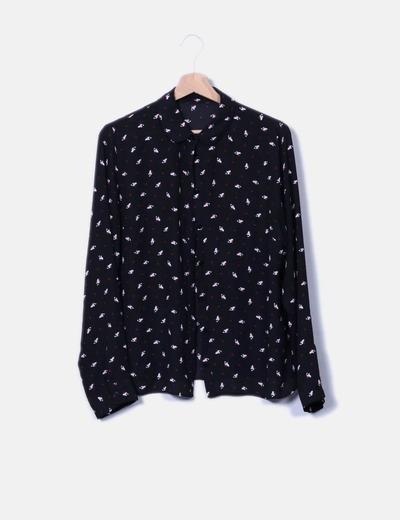 Blusa negra estampada NoName