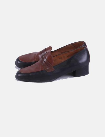 Zapato mocasín bicolor