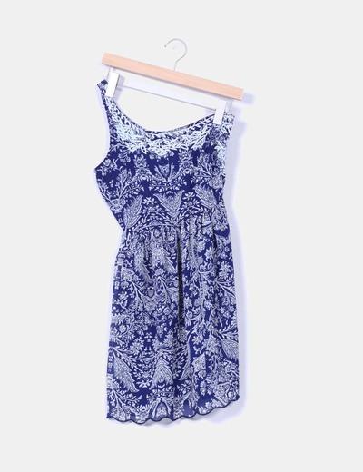 Vestio azul marino estampado escote asimétrico Stradivarius