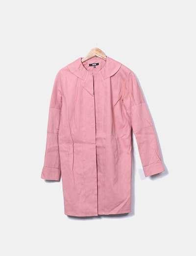 Chaqueta rosa larga bolsillos