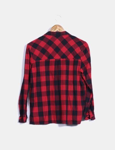 1f1fb54474831 Bershka Camisa de cuadros roja y negra (descuento 36%) - Micolet