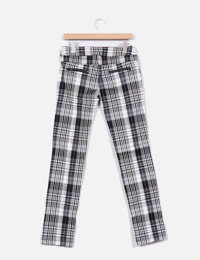 pantalon cuadros blanco y negro zara
