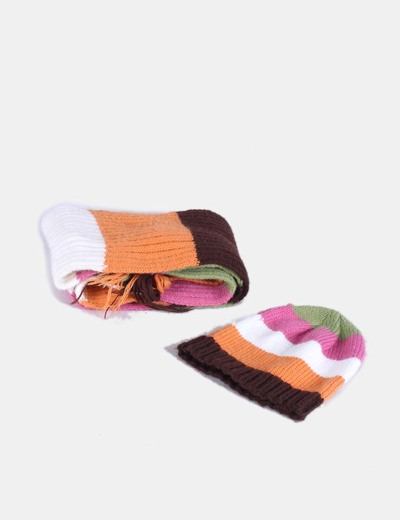 Conjunto de gorro y bufanda multicolor NoName