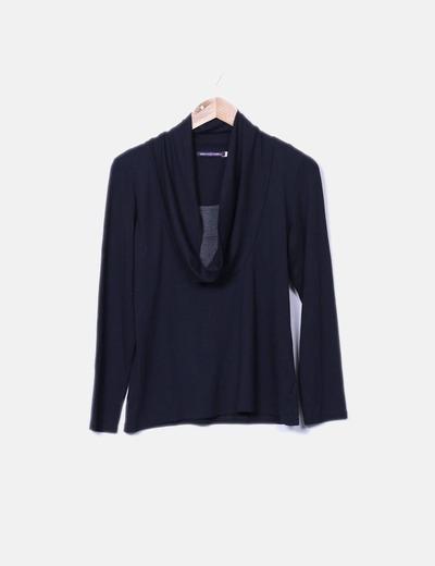 Camiseta negra con cuello baboso detalle camiseta gris Paper Moon