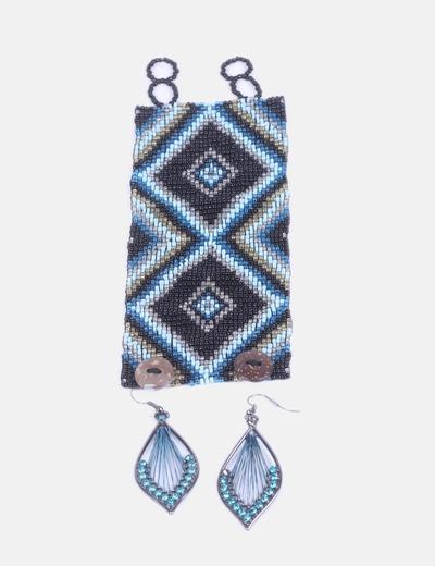Conjunto de brazalete y pendientes azules