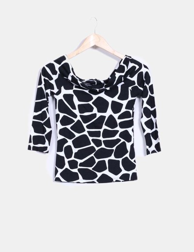 Camiseta black and white estampada Zara
