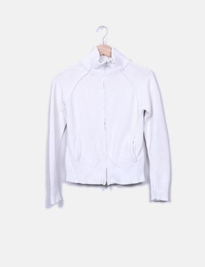 Bershka Casaco de malha branco com fecho (desconto de 89%) - Micolet 7ab57a62220