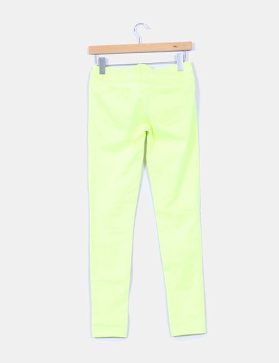 Jeans denim amarillo fluor pitillo