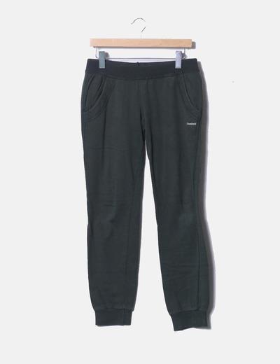 Pantalón verde deportivo