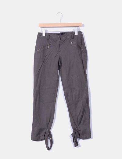 Pantalón kaki sport detalle cremalleras Mango