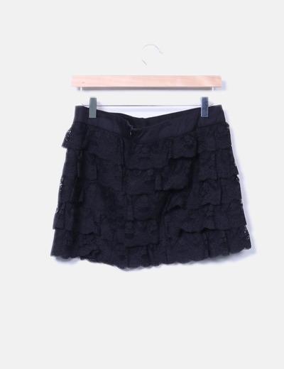 Falda de encaje negra con volantes