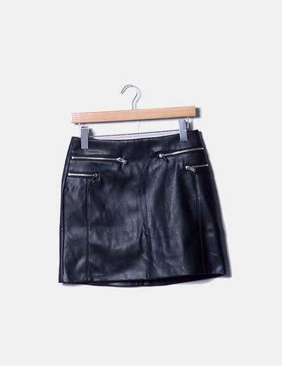 Falda encerada negra con cremalleras