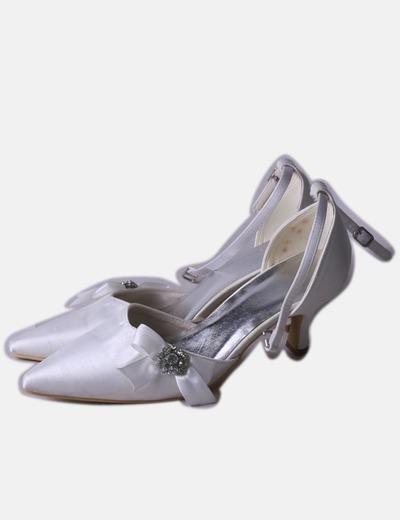 Zapato de punta blanco satinado