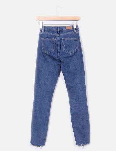 Jeans tiro alto con rotos