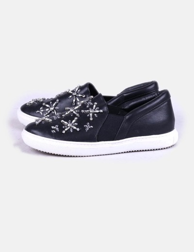 Zapatillas polipiel negras con strass