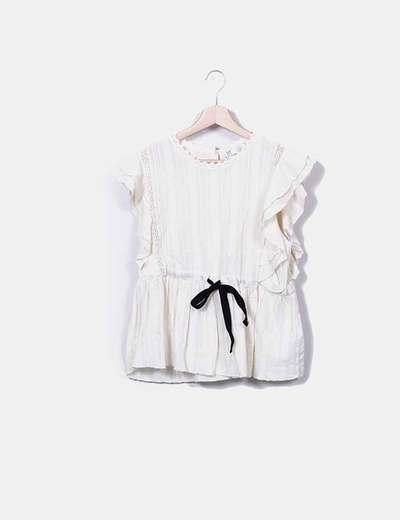 Blusa marfil textuzado con lazo Zara