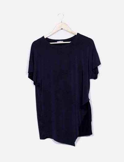Camiseta manga corta gris asimetrica Zara