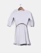 Vestido blanco texturizado con cinturón Bershka
