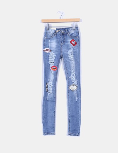 Jeans denim tiro alto con parches