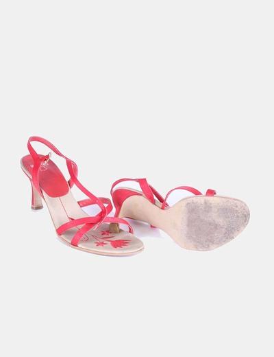Sandalia roja de tiras