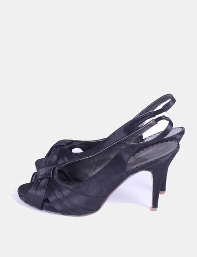 Sandalia negra destalonada Lorena Carreras