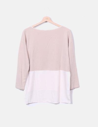 Blusa beige y blanca combinada