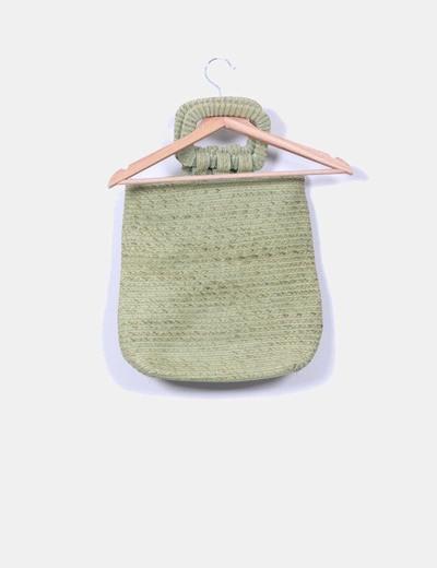 Bolso verde de rafia