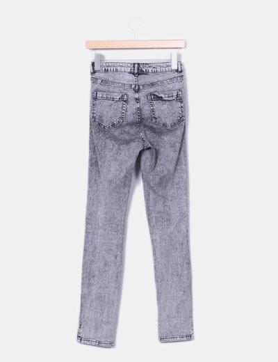 Jeans high waist gris desgastado
