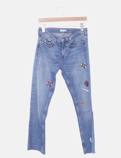 Jeans azules con pedrería
