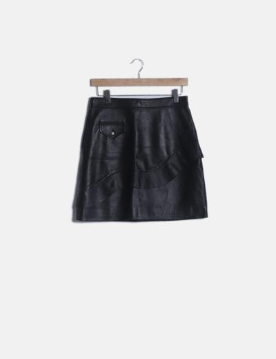 Mini falda cuero negra