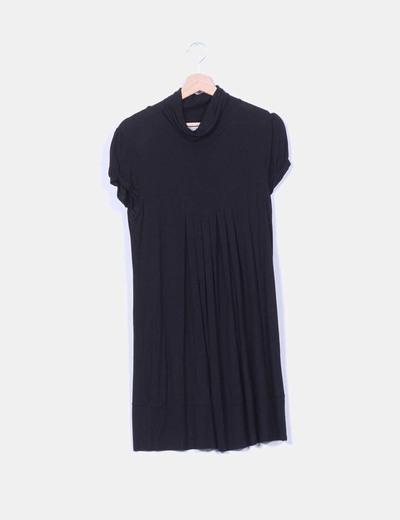 Vestido negro de manga corta con cuello vuelto Suiteblanco