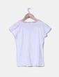 Camiseta blanca con estampado étnico en el cuello Lemon