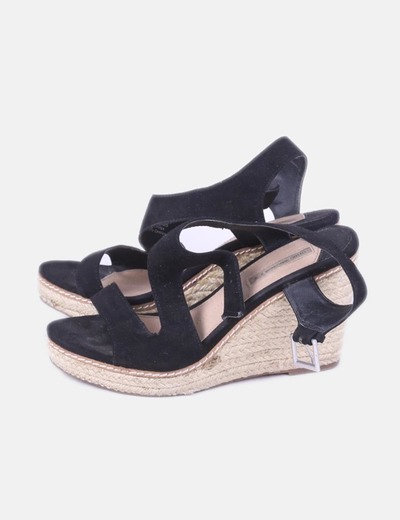 Sandales noires compensées Oysho