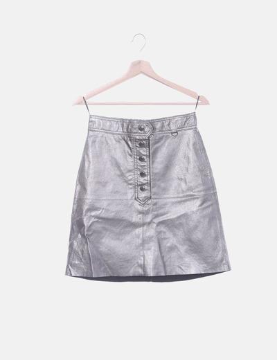 Falda metalizada con botones