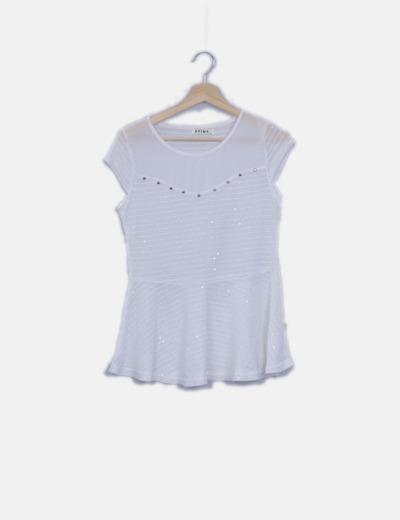 Top tricot peplum blanco con tachas