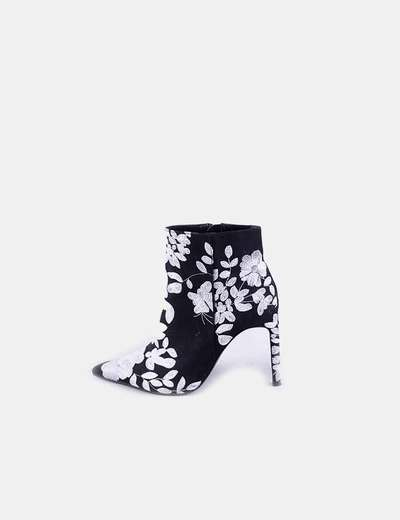 Black ankle boots floral embroidery Zara