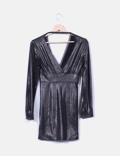Vestido negro satinado con brillo
