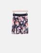 Minifalda floral con vuelo Stradivarius