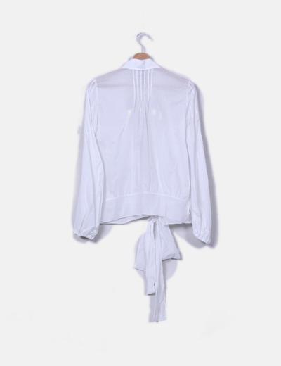 Camisa blanca cruzada