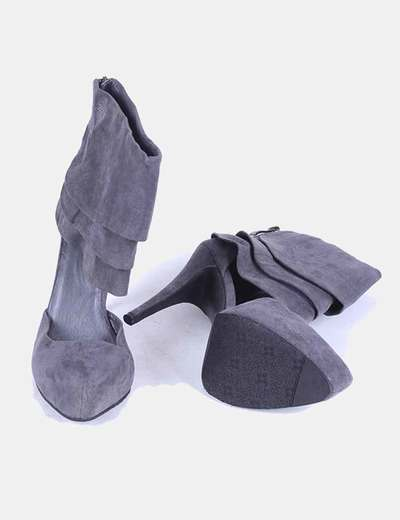 Zapato gris abotinado de ante