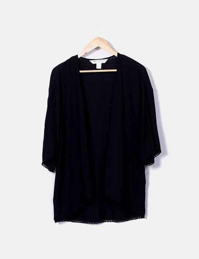 Kimono negro con pompones H&M