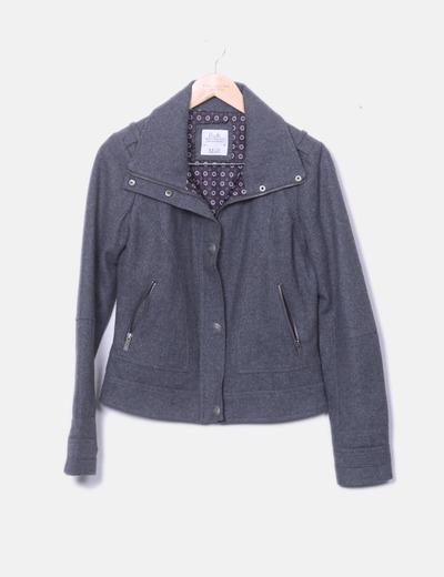Abrigo corto de paño gris