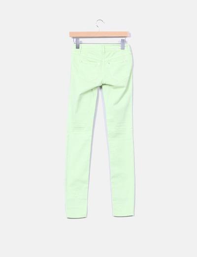 Pantalon verde pistacho