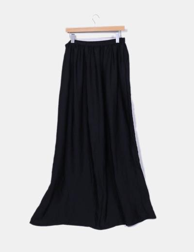 Maxi falda negra satinada